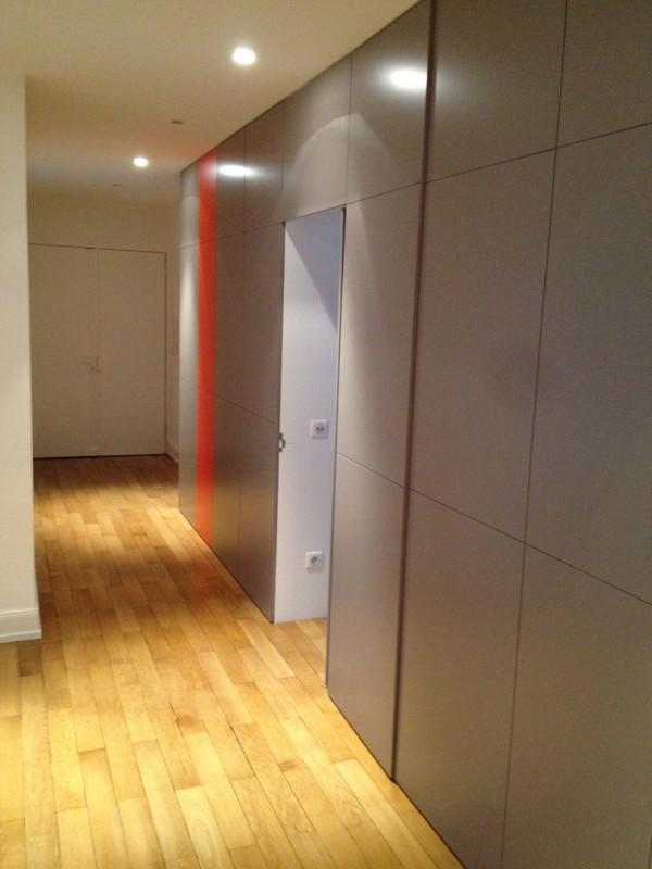 Habillage astucieux d un couloir du sur mesure la - Porte toute hauteur ...